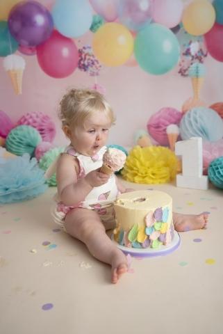 Ice cream cake smash