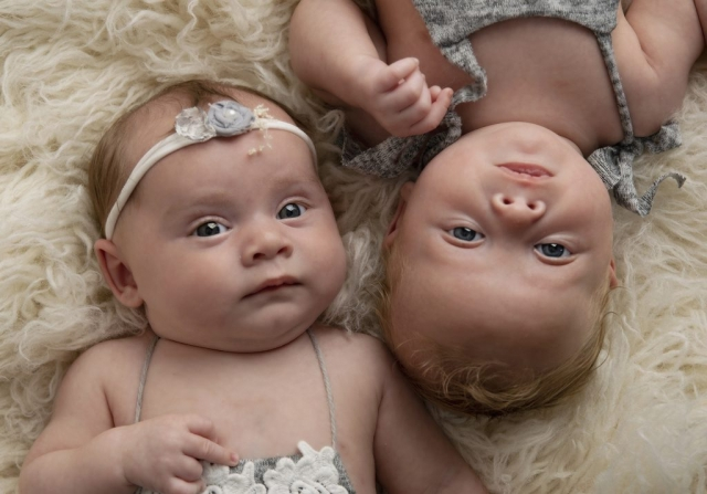 Twins 4 months old